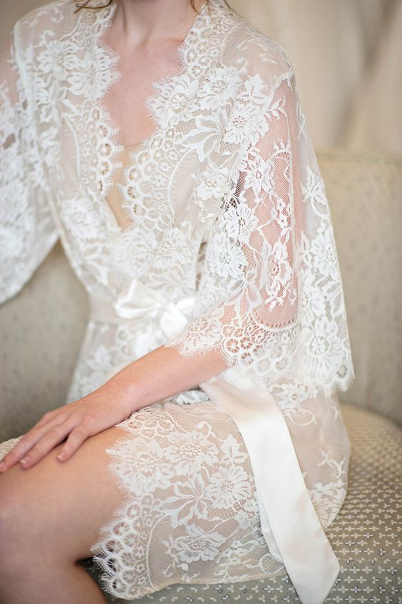 ivory short lace wedding robe can be worn during the preparations in the morning