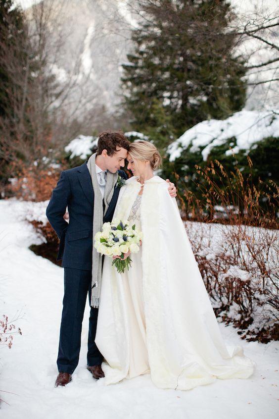Kunstfell-cape für Hochzeit im freien schießt und trauung im winter