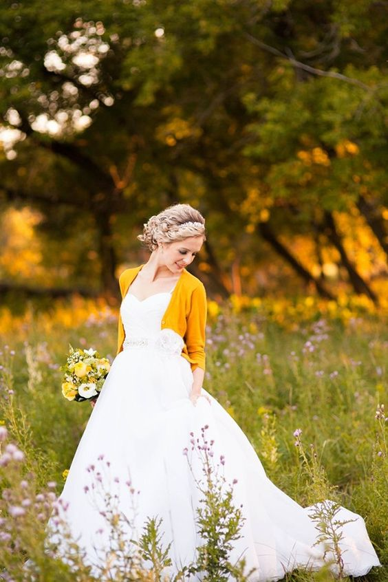 a mustard cropped cardigan to feel cozy and look chic on your fall big day
