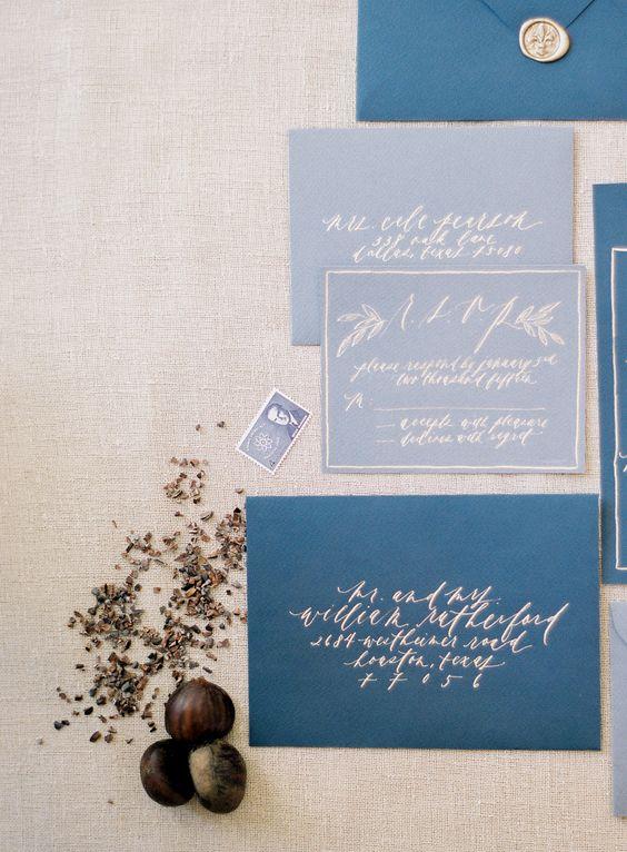 indigo Umschläge und Schiefer Grau lädt mit Silber Kalligraphie