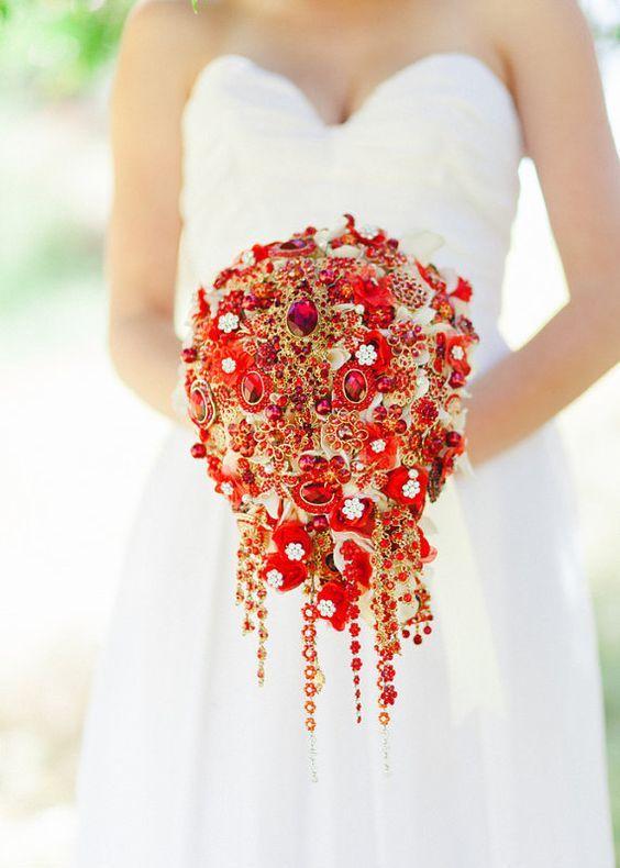 cascading rot-und gold-Brosche wedding bouquet wird nicht welken während des Tages