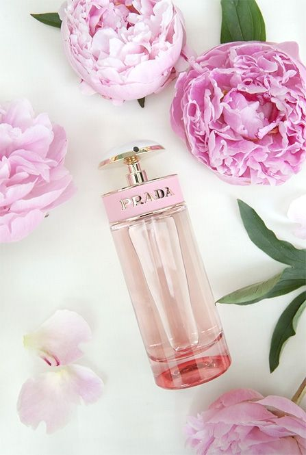 add flowers to the box or put them around to accentuate the perfume bottle