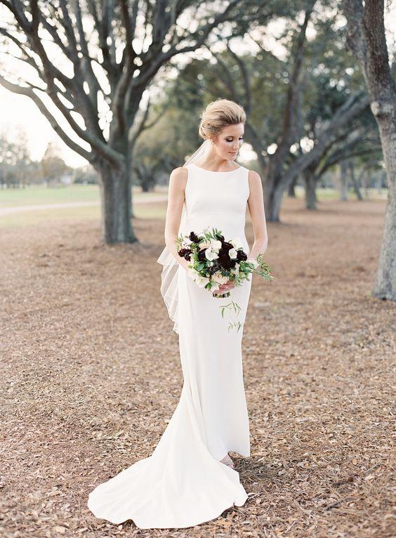 moderne neckholder-Ausschnitt Hochzeit Kleid mit einem kleinen Zug