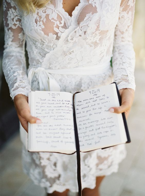 a letter book from the bride to the groom is a romantic surprise