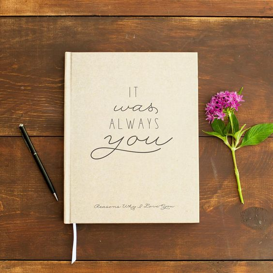 a love journal for the groom is a chic idea to inspire him and show him your love