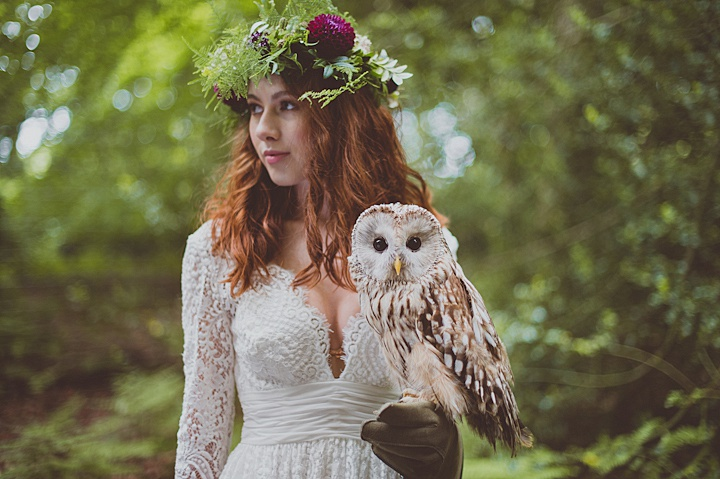 This forest wedding shoot was a boho rustic one with birds of prey, and it is absolutely wild and amazing