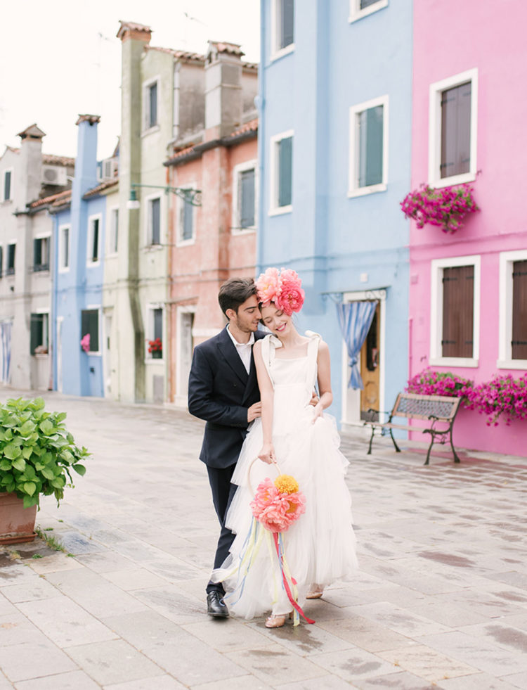 This romantic elopement took place on the island of Burano, a famous colorful island in Venice