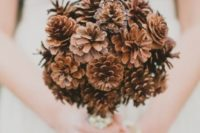 03 a simple pinecone bouquet is ideal for brides who don't like flowers