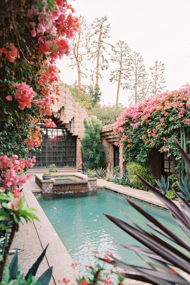 Look at this gorgeous courtyard with a pool - isn't it amazing