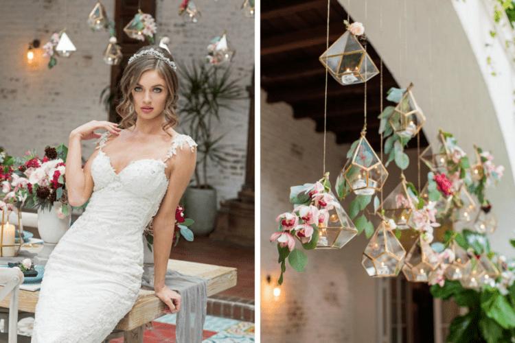 Die Hochzeit wurde mit hängenden Glas-Terrarien mit rosa Blüten und grün