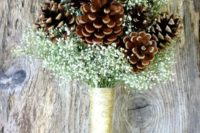06 pinecones and dried baby's breath is an ideal combo for a rustic bride