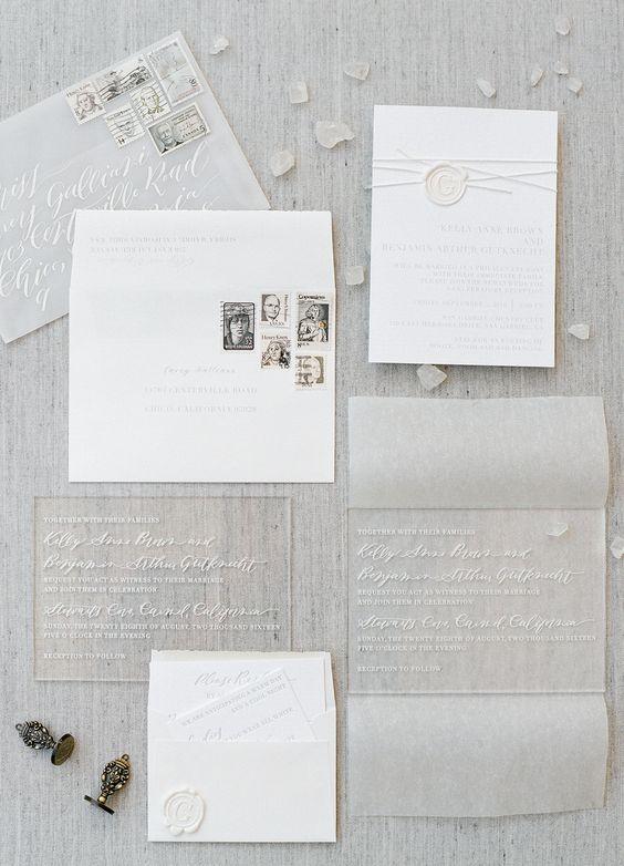 Acryl und Papier gedrückt, Hochzeit, Einladungen in lauter Umschläge für eine ätherische Hochzeit