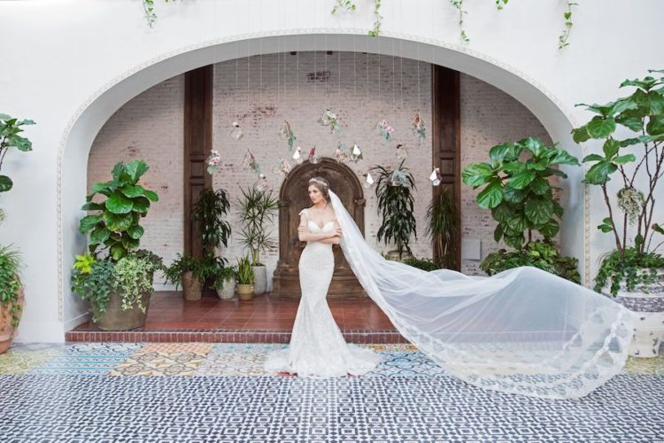 Get inspired by these gorgeous Galia Lahav's gowns and veil and the gorgeous spaces of the shoot