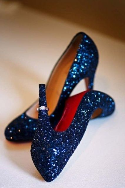 navy glitter wedding shoes for a glam or New Year wedding