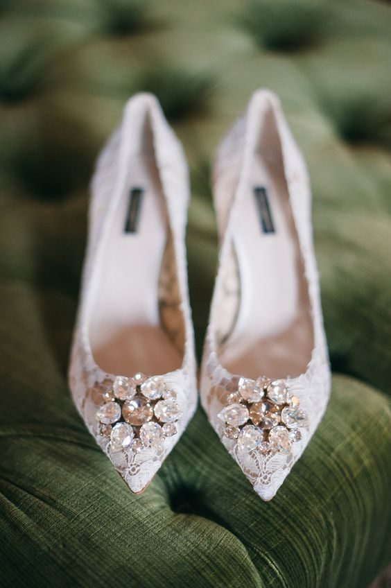 white lace bridal shoes with rhinestones mix a hot trend - lace heels and timeless sparkly details in one