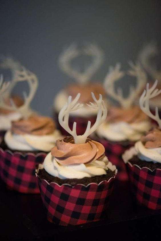 deer cupcakes in plaid covers will remind you of the holidays at once