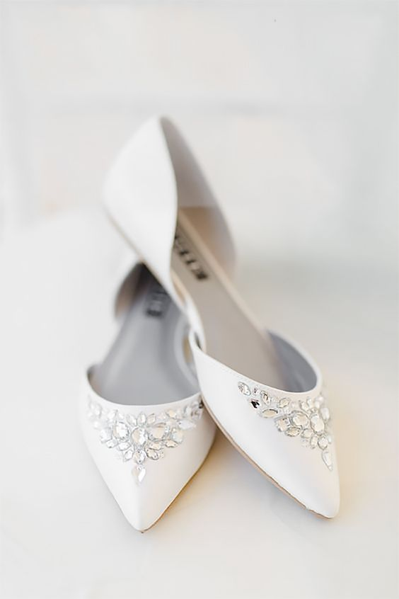 white pointed wedding flats with rhinestones for a chic and non-boring bridal look
