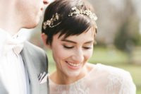 02 a cool short wedding hairstyle accessorized with a rhinestone and pearl headband for a glam look