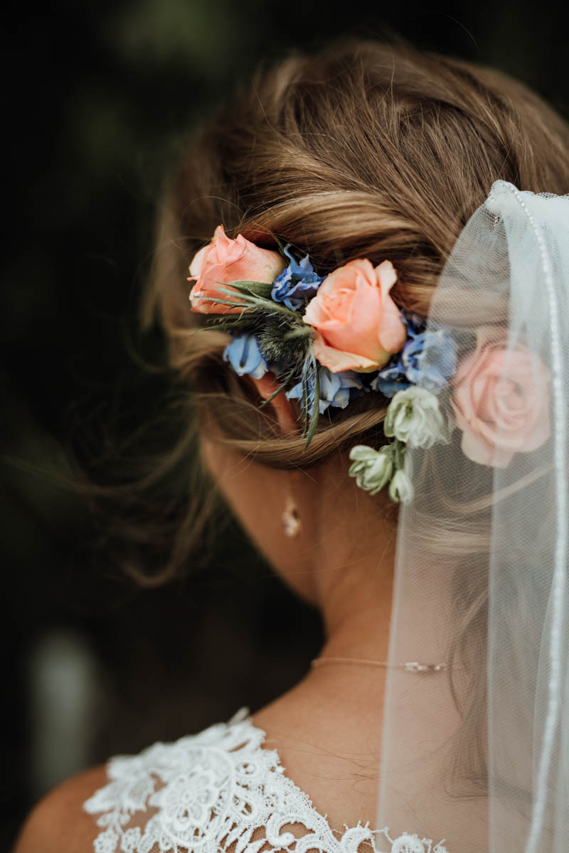 gorgeous hairstyle with flowers