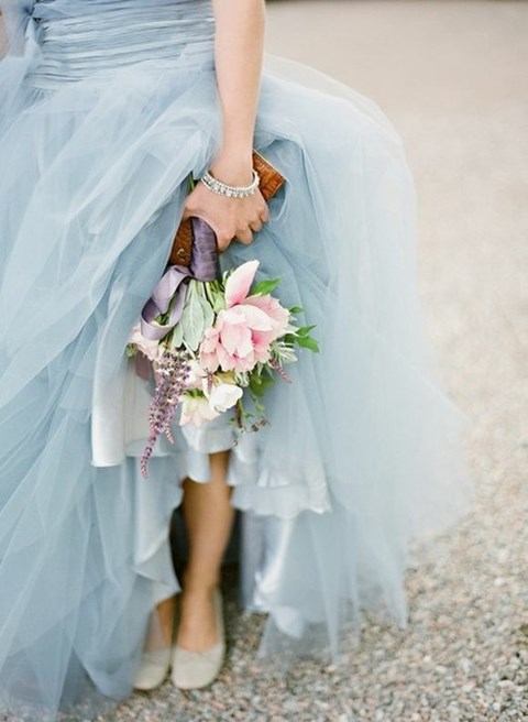 30 charming ice blue winter wedding ideas weddingomania for Ice blue wedding dress