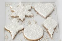 06 gorgeous Christmas ornament frosted cookies are an elegant and tasty solution for any winter wedding