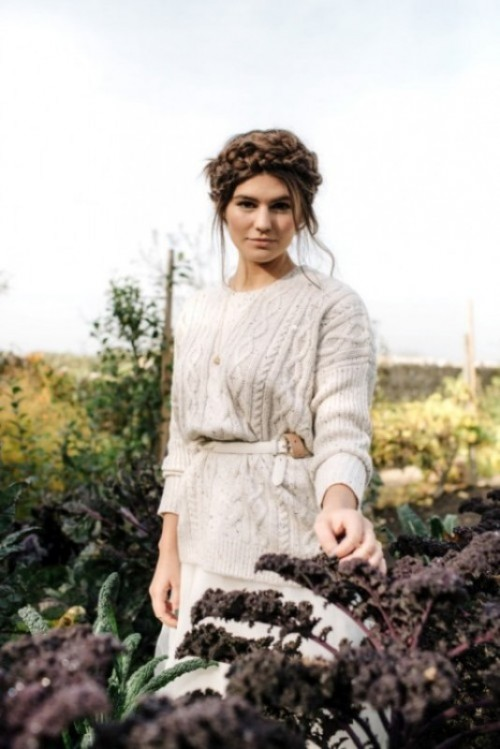 make a gorgeous braided updo, cover up with a neutral cable knit sweater and a belt to look gorgeous and feel comfy
