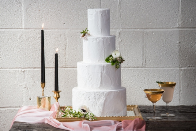 Pure elegance and perfection is what characterizes this gorgeous brunch wedding shoot