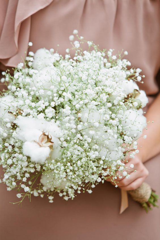 wedding bouquet of baby's breath and cotton is great for a rustic wedding