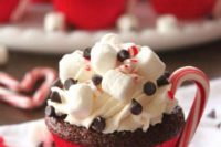 13 chocolate cupcakes with s'mores, chocolate chips and candy canes are ideal for any Christmas wedding