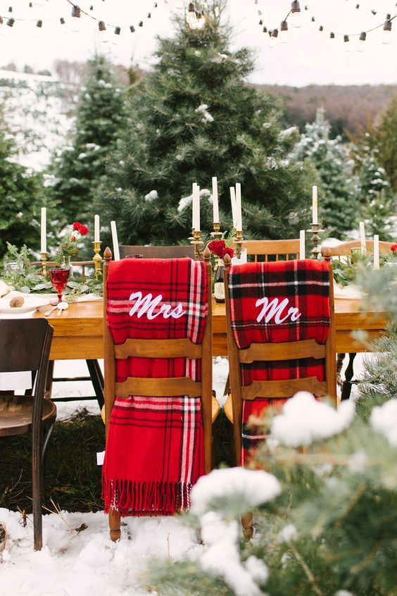 the couple's chairs are highlighted with plaid scarves, this print is traditional for Christmas