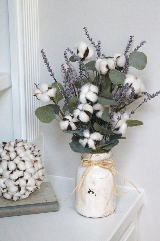 a cozy arrangement with cotton, eucalyptus and lavender is ideal for a rustic wedding