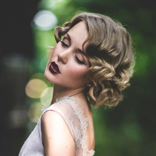 vintage waves are perfect for 1920s and other retro weddings, or for glam Old Hollywood weddings