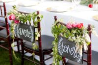 21 chalkboard signs, greenery and pink bloom posies are a universal idea, and here you can see Italian words