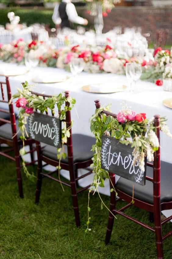chalkboard signs, greenery and pink bloom posies are a universal idea, and here you can see Italian words
