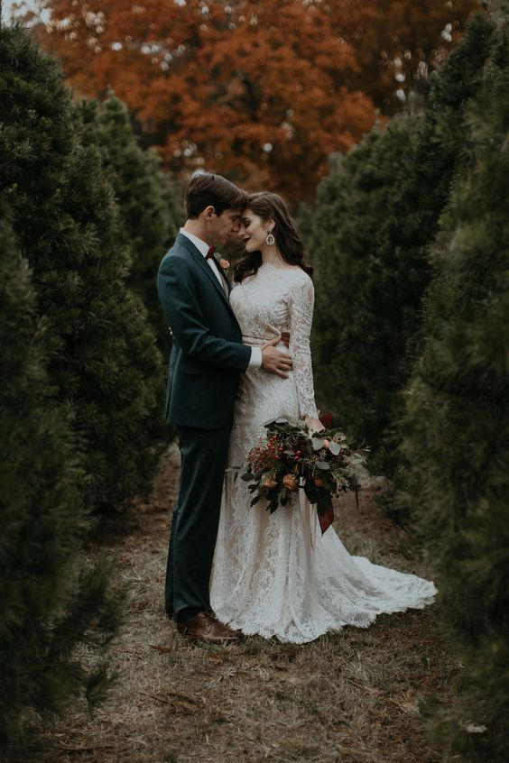 a moody Christmas tree farm wedding - you can give your wedding a trendy moody flvaor