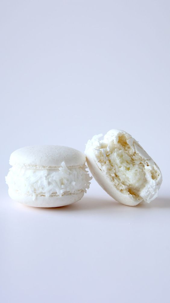 fluffy macarons using almonds remind of fluffy snow and will be a great fit for a winter wedding