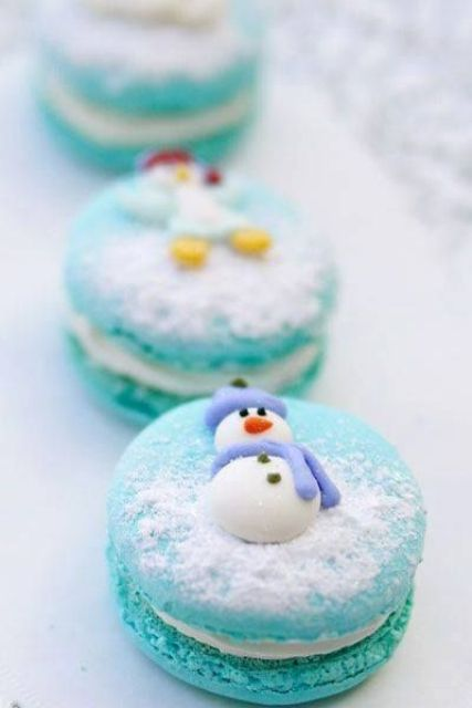 turquoise macarons with funny snowmen are ideal for dessert tables and as wedding favors