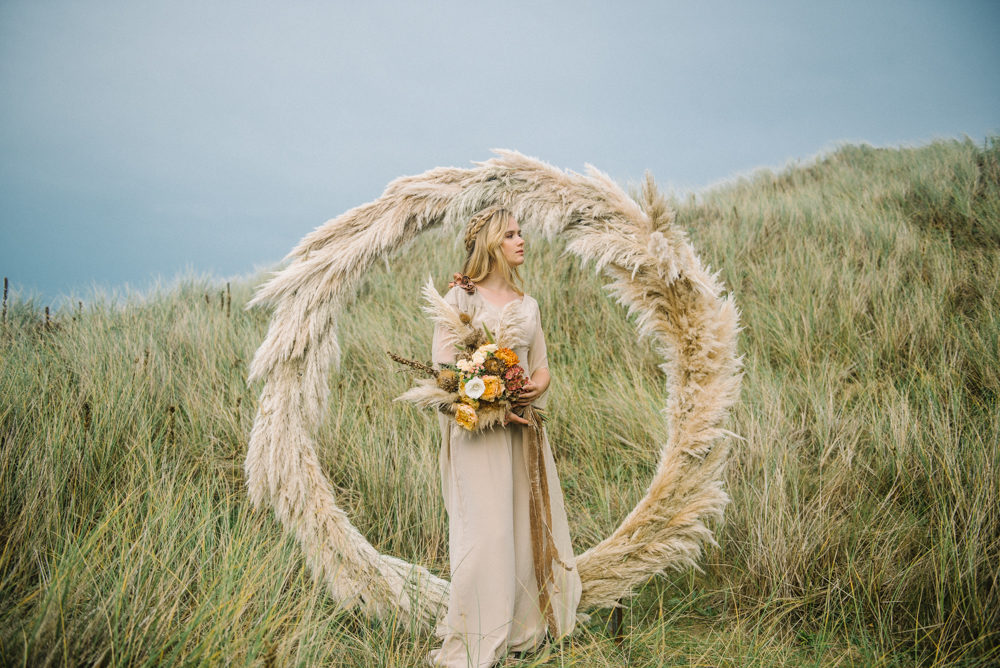 This gorgeous wedding shoot is filled with earthy tones and sea breeze coming from the coast