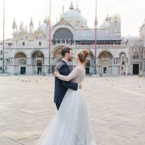 dance at Piazza San Marco to make your wedding impressions unforgettable