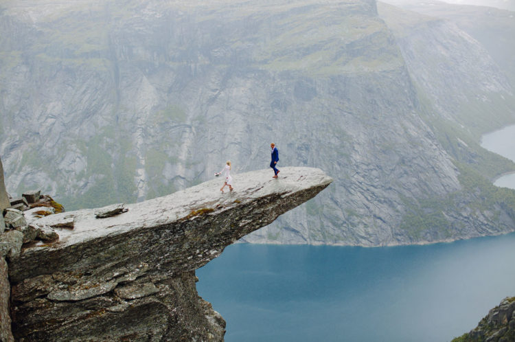 Feel the magic of Trolltunga and the beauty of this farmous mountain