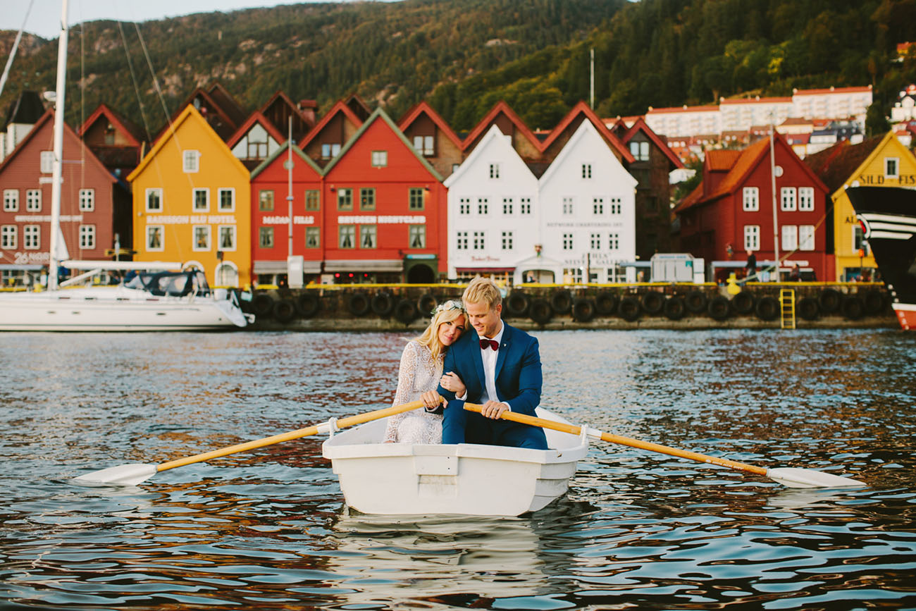 Then the couple went down to the town of Bergen and sailed in a boat