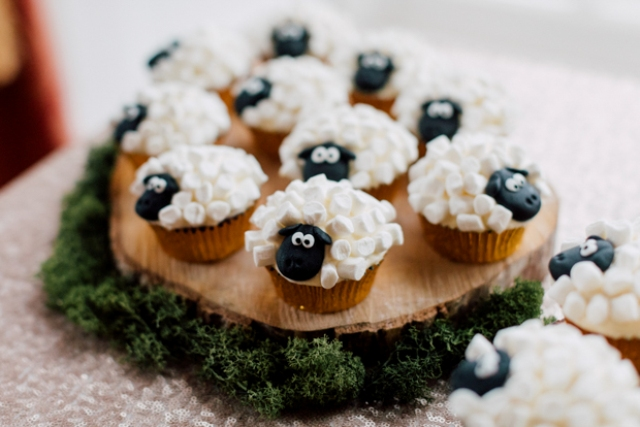 Here are the sheep cupcakes, added for a fun and whimsy touch