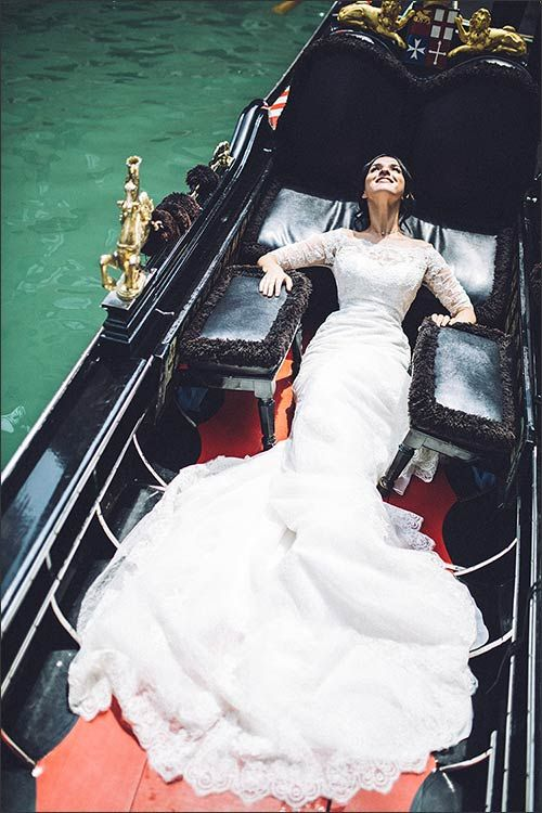 show off your wedding dress in a gondola - what can be more unique than that