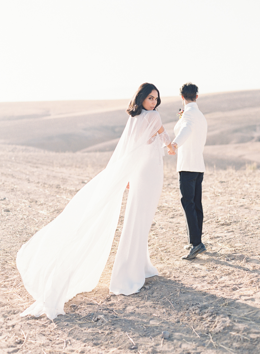 This gorgeous elopement shoot took place in Morocco, in the city of Marrakech and around it
