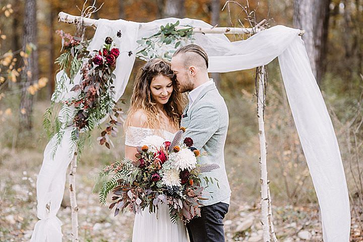 Intimate Autumnal Boho Forest Elopement