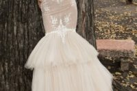 06 strapless sweetheart neckline meramdi wedding dress with a layered skirt and lace appliques