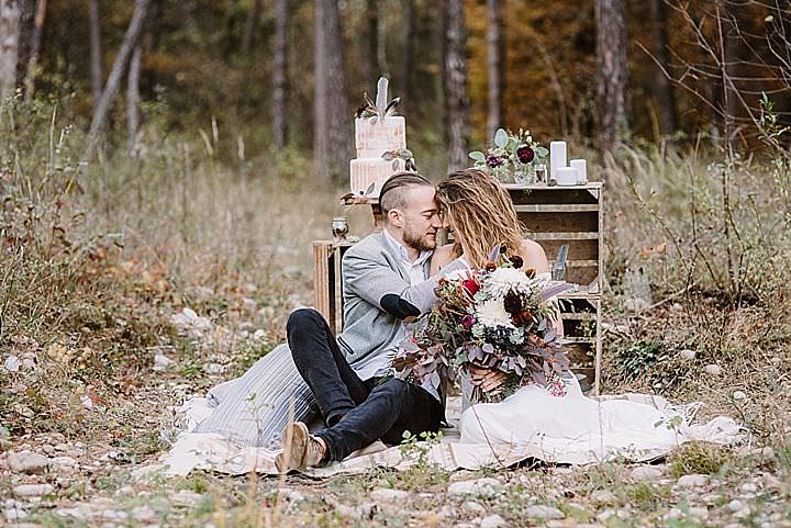 This shoot is a great source of inspiration for those who want to elope to a forest