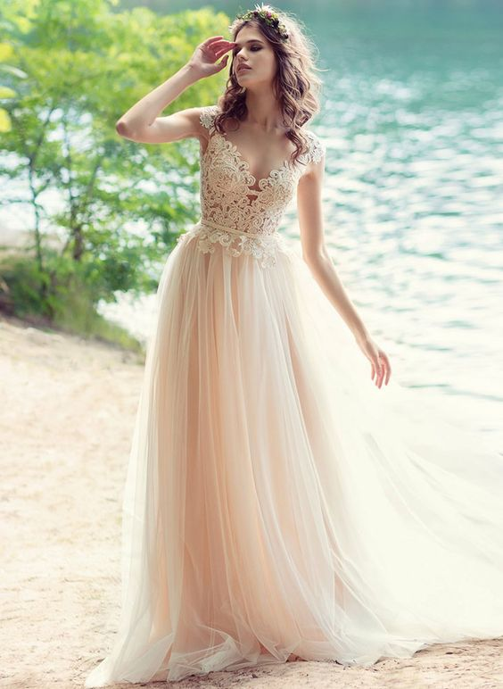 25 champagne wedding dresses that impress weddingomania for Flowy wedding dress with sleeves