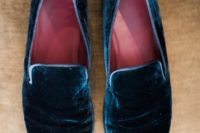 21 navy velvet shoes for a refined groom's look