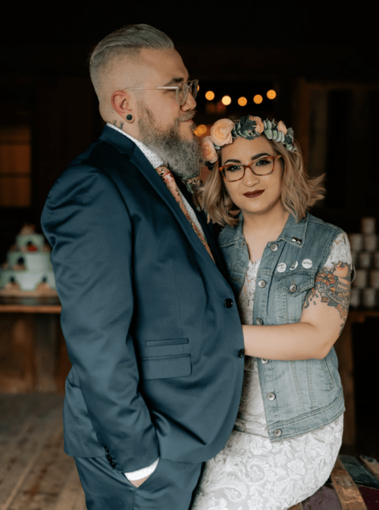 This couple chose the pop punk wedding theme for their wedding